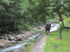 キャンプ場から釣り糸を垂れるヨーダさん