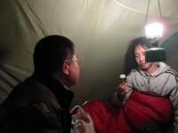 テント内でランタンを使用