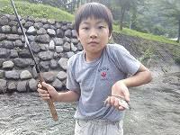 七入キャンプ場の下で、岩魚ゲット!