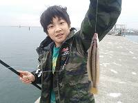 富津漁港で魚釣り