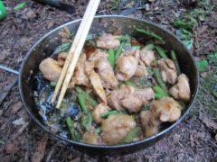 鶏肉とエラの炒め物