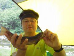 A沢で釣り上げた29cmの岩魚