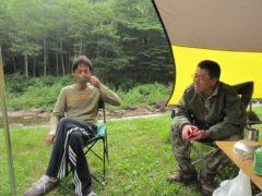 朝のキャンプ風景