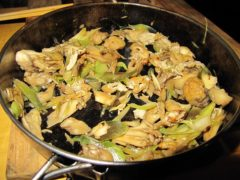 ミョウガと舞茸と油揚げの醤油炒め