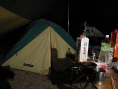 夜更けのテント