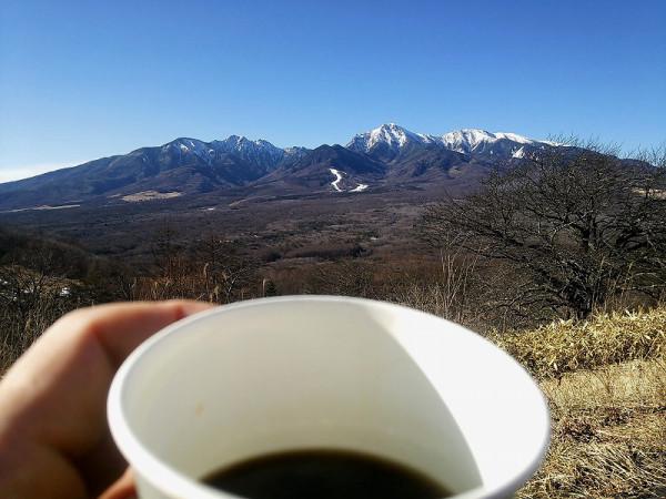 しし岩駐車場で八ヶ岳を眺めながらコーヒーブレイク