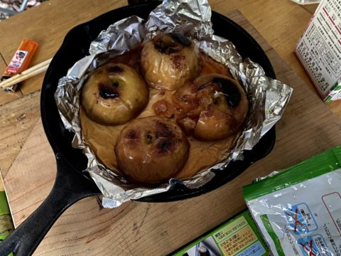 スキレットで作った焼きリンゴ