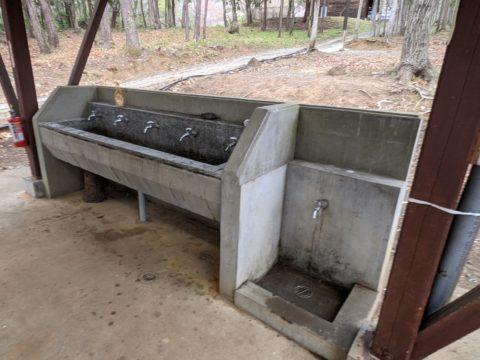 炊事場内の水場