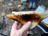 スキレットで焼いたホットサンド