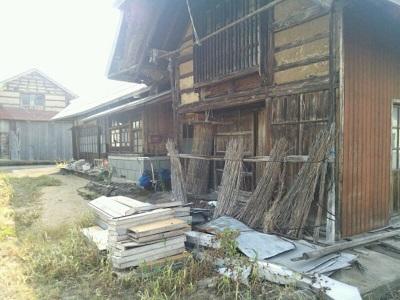 空家になっている昔の家